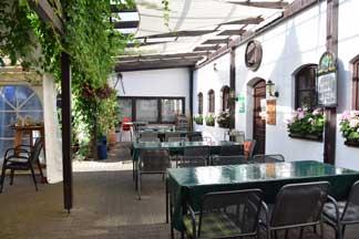 Weingut Barth Bad-Dürkheim Aussenplätze